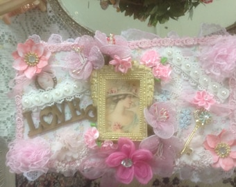 Victorian decorated jewelry box