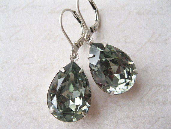 Grey Teardrop Earrings Vintage Style Wedding Jewelry Black Diamond Swarovski Elements Grey Bridesmaid Earrings New Years Eve Wedding