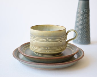 Quistgaard - RUNE - Coffee / Tea Trio - cup / saucer / plate - Kronjyden / Bing & Grøndahl - 1970s - Danish mid century tableware