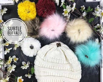 Yarn Pom Pom Beanie with interchangeable Pom!