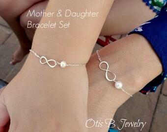 Mother Daughter bracelet SET, Large & Small infinty bracelet with pearls, first day of kindergarten gift, preschool, child bracelet, Otis B