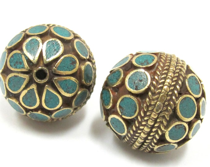 1 Bead - Large focal brass bead with turquoise inlay 24mm size  - BD762A