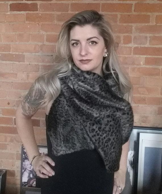 Faux fur scarf shawl wrap. Faux cheetah fur. Rockabilly cover up, wedding bridesmaids shawl.