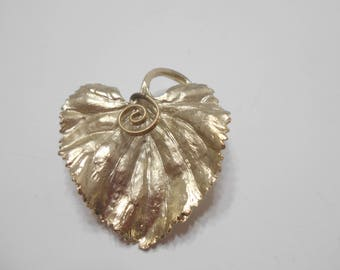 Vintage BSK Brushed Gold Tone Metal Leaf Brooch (9993)