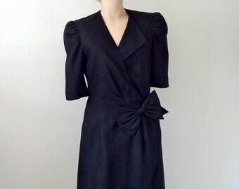 black linen wrap dress / 1980s vintage fashion