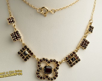 A beautiful Bohemian garnet jewelry: Garnet NECKLACE made of silver with gold plating