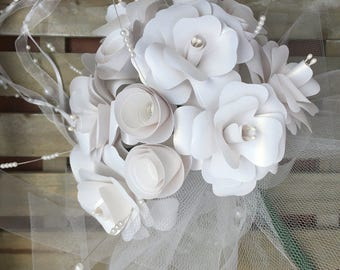 Bridal bouquet in white, bridal bouquet in white / bling-bling paper with a glow