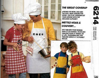 McCall's Pattern #6214 to sew aprons for the family. Vintage pattern uncut.