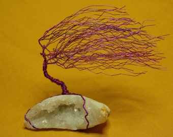 Wire tree in Geode quartz