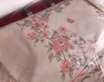 Pair of Vintage New in Package Morning Glory Dacron Poly/Cotton Standard Pillowcases