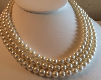 Beautiful Vintage 3 Strands Creamy White Faux Pearls Necklace