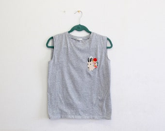 Mountain goat embroidery T shirt