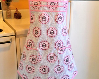 Vintage Style Full Apron in Gray and Pink