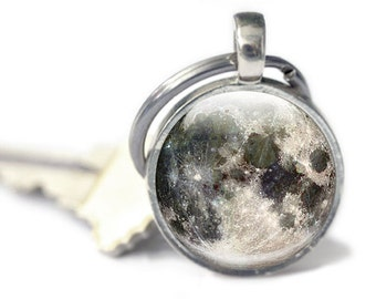 Moon Keychain - Moon Keyring, Key chain with detailed moon image (KM3)