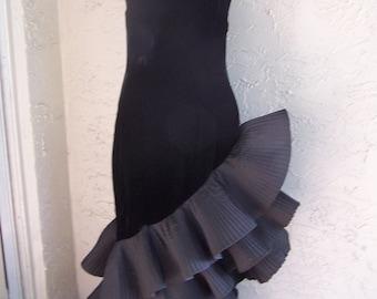 Vintage Designer Gown Dress VICTOR COSTA Black Velvet Strapless Ruffle Size 2 Runway Couture