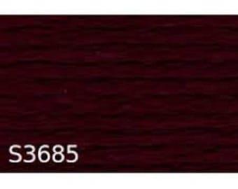 fil à broder en coton, rouge bordeaux , dahlia noir numéro 33685 ou S 3685 marque DMC
