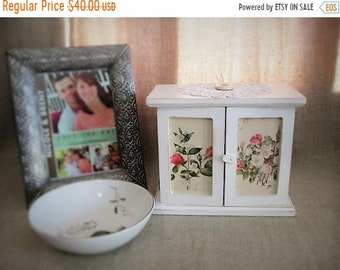 Vacay No Ship Til 5/25 Cottage Chic Floral Jewelry Box / Keepsake Box / Little Floral Cupboard for Jewelry, Keepsakes, Trinkets and More