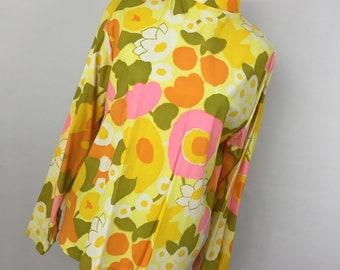 Vintage 60s Floral Flower Shirt Top L Large Mock Turtleneck Yellow Pink Green Zip Up Back Long Sleeve J2