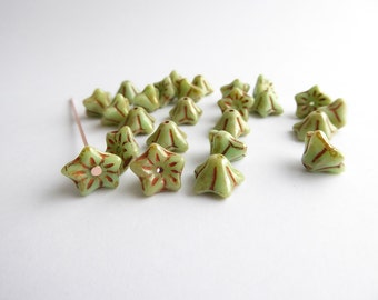 40 x Green Trumpet Flower Beads, 6x9mm Flower Beads, Green Picasso Flower Beads, Green Flower Beads, FLW0145