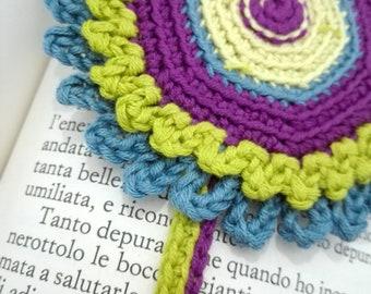 Crochet cotton flower power bookmark, book lover gift, fiber bookmark, teacher gift idea, hippie girl gift, 60s 70s lover gift, vegan gift