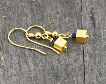 Earrings with sapphire, gold-plated sterling silver, earrings, gemstones, blue earrings, agate, sapphire, earrings, blue, gift girlfriend, unique