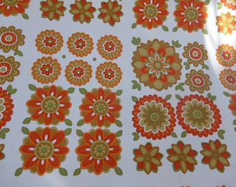 Original wallpaper, vintage 1970, orange flowers by VENILIA, trend and fashion for 9 meters