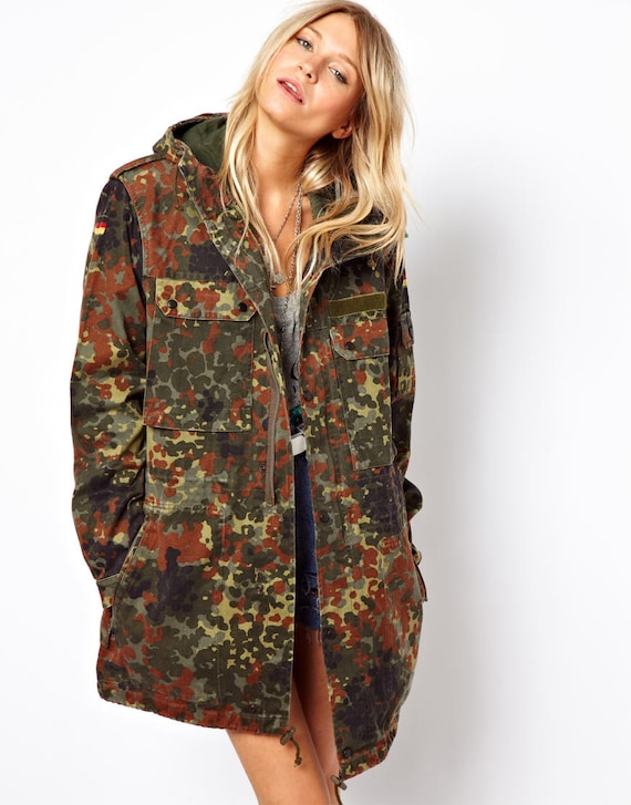 Very best Unissued women's Oversized German army camouflage parka AU19
