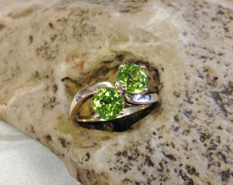 Peridot By-Pass Ring Set in !4 Karat Yellow Gold Mounting