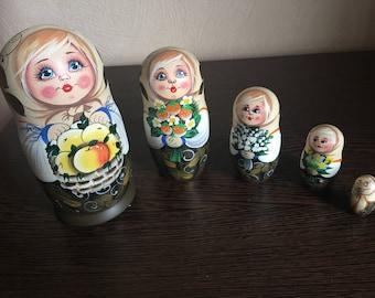Matryoshka/Babushka Nesting Dolls