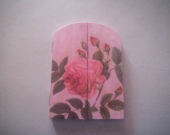 pretty picture frame decorated with napkins