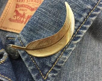Vintage Gold Tone Leaf Brooch (stock# 397)