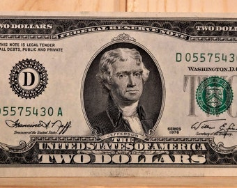1976 U.S. 2 DOLLAR Bills From 1976...Mostly Uncirculated...Consecutive Serial Numbers...Like New Condition