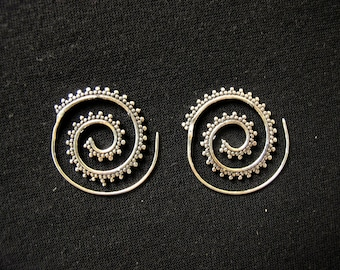 Silver plated - dangle earrings spiral dots
