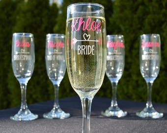 Bridesmaid Gift Champagne Flutes - Personalized Champagne Flutes - Heart and Arrows - Wedding Party Glasses - Wedding Party Flutes