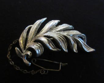Vintage Leaf Brooch with old C Clasp & Safety Chain in Silver Tone