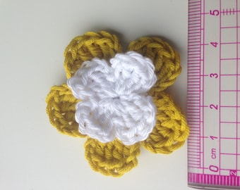 Set of 4 double crochet mustard yellow flowers and white heart