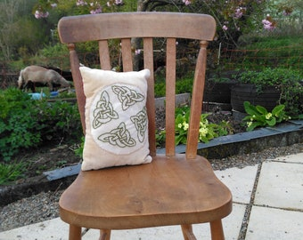 Welsh Flannel Celtic Cushion Kit