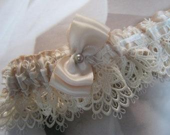 Ivory Venice Lace Garter