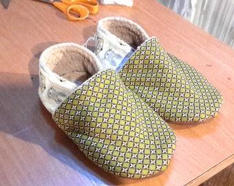 Kids stuffed baby shoes, T-34