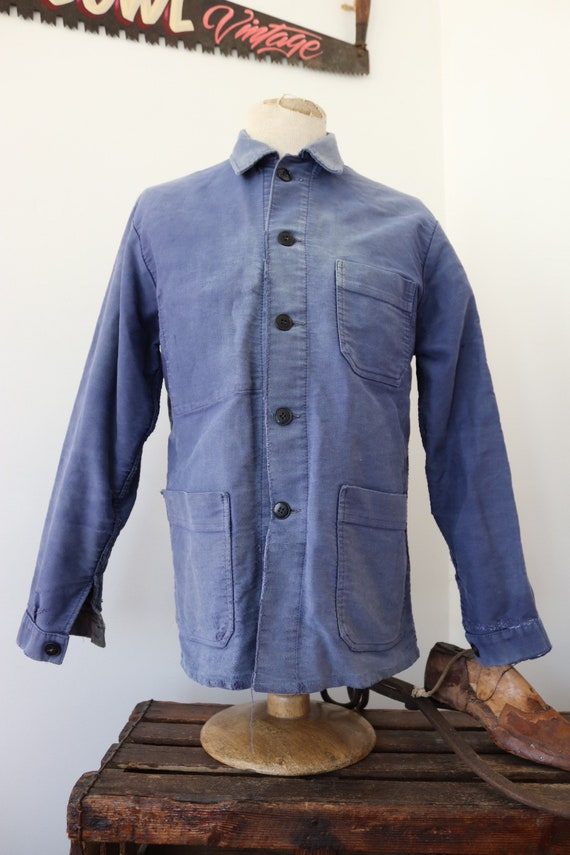 """Vintage 1960s 60s french bleu de travail blue moleskin chore work jacket workwear 40"""" chest sun faded darned repaired (7)"""