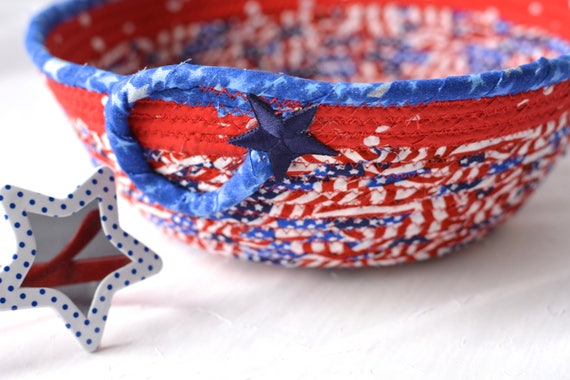 Memorial Day Decoration, Gift Basket, Handmade Red White and Blue Party Bowl, Picnic Fabric Basket, Patriotic Gift for Vet, Him, Dad