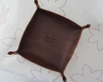 En cuir fourre-tout, plateau en cuir personnalisé, personnalisé gravé plateau organisateur de bureau en cuir, cuir plat, fourre-tout, voyage Valet plateau