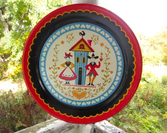 """Vintage Mid Century Kitsch Colorful Pennsylvania Dutch Couple Large 19"""" Metal Tray Maxey"""