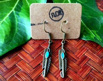 Bronze feather earrings - Earrings with tiny feathers