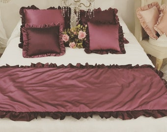 Taffetá Plum Bed Runner