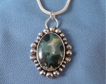 Morris Vein Agate And Silver Pendant