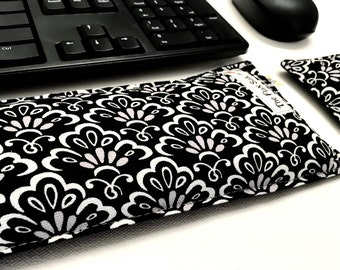 Keyboard  and  Mouse wrist rests - Ergonomic  Heat Pack - Support Wrist while Typing - computer accessory - Black and white Desk Accessory