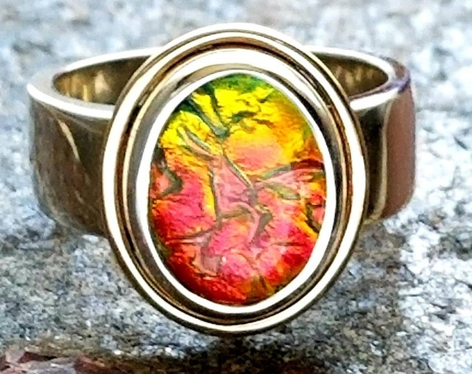 Ladies Enchanted Memorial Ring in Silver or Gold, Ashes in Glass, Cremation Jewelry, Pet Memorial