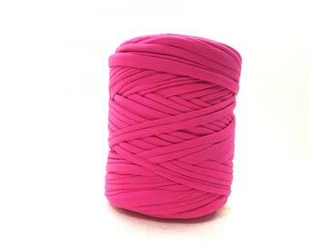 Fuschia Tshirt yarn, trapillo, zpagetti yarn, tshirt yarn, spaghetti yarn, Tshirt yarn, recycled yarn, fabric yarn, tee shirt yarn, 5 meters