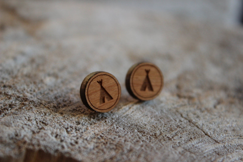 mignonnes puces en bois tipi cute studs earrings wood. Black Bedroom Furniture Sets. Home Design Ideas